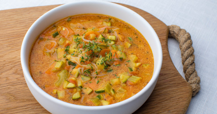 Kreemine kookose karri köögivilja supp
