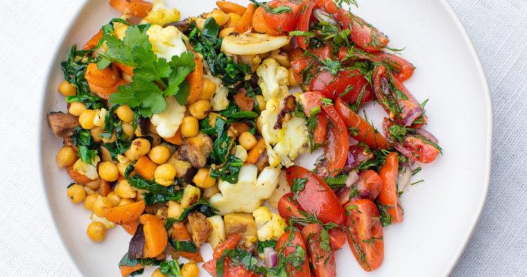 Soe salat kikerherneste, seente ja köögiviljadega